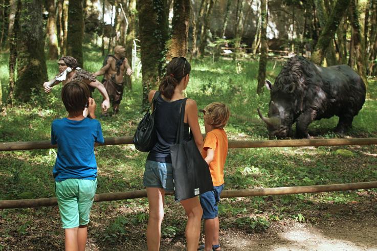Rhinocéros laineux PREHISTO PARC - La Préhistoire comme si vous y étiéz de Neandertal à Cro-Magnon